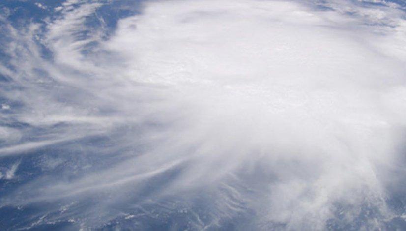 hurricane wind damage banner